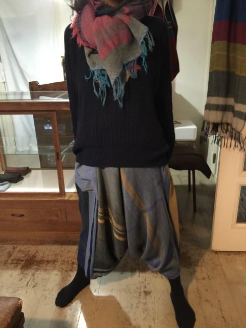 )紺セーター&タルンパンツ(ブルー